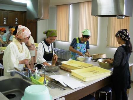 菓子作り2.JPG